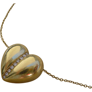 18K Gold Heart Pendant Set w/ Diamonds. 25.5 inch 18K gold Chain