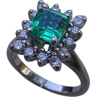 Ladies Emerald, Diamonds White 14K Gold Ring