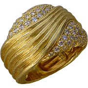 Beautiful Designer Dunay 18K Gold Ring Set w/ 72 Pave Set Diamonds