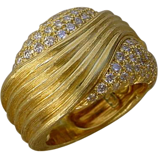 Beautiful Designer Dunay 18K Gold Ring Set w/ 72 Pave Set Diamonds