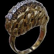 Vintage Ladies 18K Gold Ring w/ 8 Diamonds. Nature Motif.