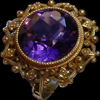 Vintage Ladies 14K Gold Ring With 6.5 Carat Amethyst.