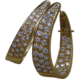 Gorgeous 18K Gold Diamond Earrings, 98 Diamonds Total.