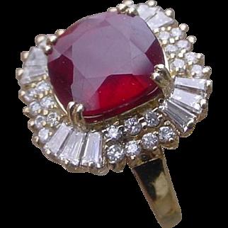Beautiful 3.5 Carat Red Tourmaline & Diamonds Ballerina Ring, 14K Gold.