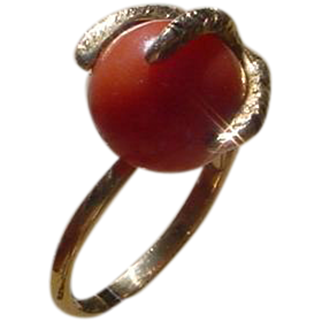 Vintage 18K Gold Ladies Ring, Eagle Claw Form, Holding 12 MM Coral