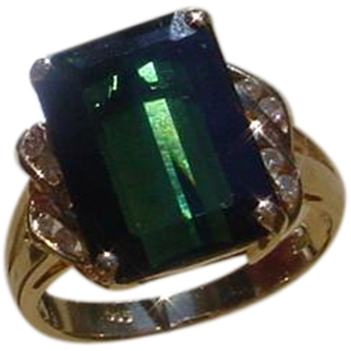 Ladies 14K Gold Ring Set w/ 4.4 Carat Green Tourmaline.