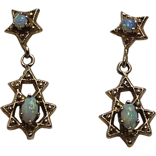 Lovely Vintage 14KT Yellow Gold Opal Dangle Earrings
