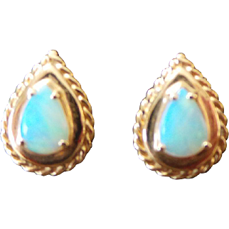 Vintage Teardrop Opal Earrings 14KT Yellow Gold