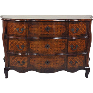 Early 18th C. Italian Parquetry Inlaid Walnut Shaped Front Commode