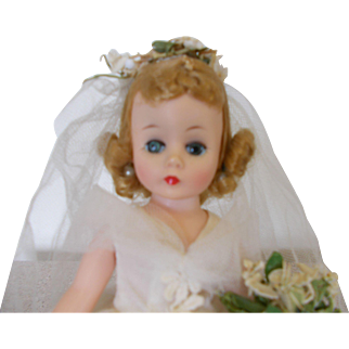 "Madame Alexander ""Cissette"" Bride Mint with booklet"
