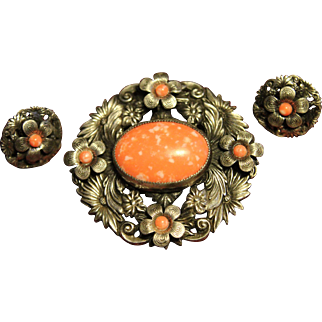 Beautiful Art Deco Coral Colored Czech Glass and Silver Plated Brooch and Earring Set
