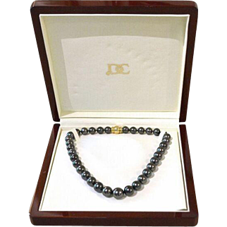 Exceptional Quality Black South Sea Pearls Strand with 18k Yellow Gold Clasp