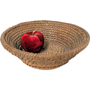 Very Fine 19th C. PA Footed Rye Straw Basket