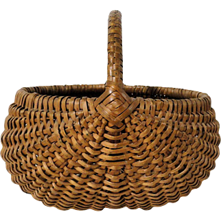 Fine Buttocks Basket with Wrapped Handle