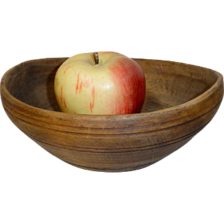 Small Wooden Turned Bowl circa 1800