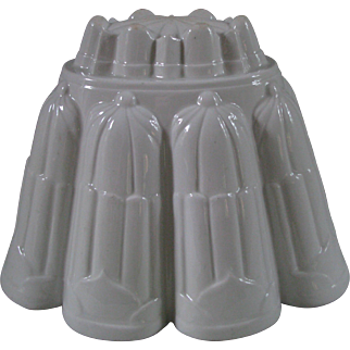 Largest Size Jelly or Pudding Mold by Shelley