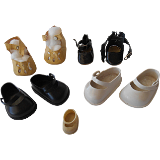 Vintage Doll Shoes--4 1/2 pair