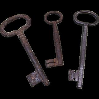 "Three Old Iron Keys, 7 1/8"", 7"", 5 1/8"" long"