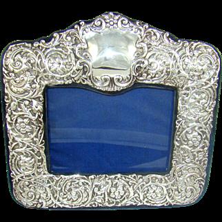 A Good Quality Vintage Silver Photograph Frame, 1994