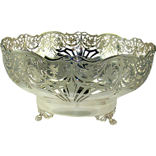 A Very Attractive Vintage Silver Fruit Bowl, 1963.