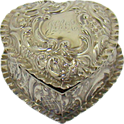 A Really Attractive Antique Silver Heart Shaped Box, 1902.