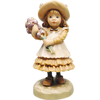 ANRI Carved Wood Figurine Valentine Exclusive Club Girl with flowers by Sarah Kay
