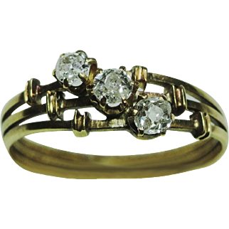 Victorian Three Stone Diamond Ring, 14 Karrat Yellow Gold