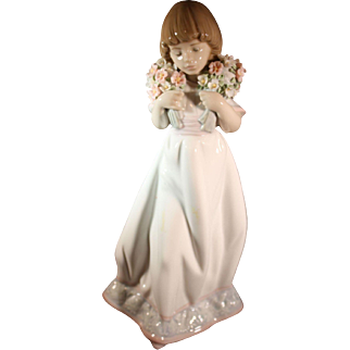"""Lladro Society Limited Edition issue for 1987 - """"Spring Bouquets"""" Girl with flowers"""