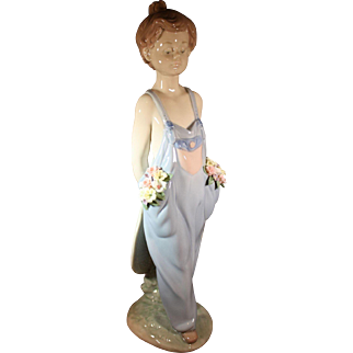"Lladro Society Limited Edition issue for 1997 - ""Pocket Full of Wishes"""