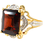 Beautiful Pyrope Garnet and Diamond 10K Gold Ring