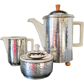 Art Deco WMF Hammered Silverplate, Porcelain and Bakelite Coffe Set, 1925 to 1935