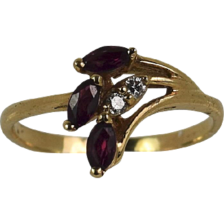 Vintage Lady 14k yellow Ruby/Diamond ring