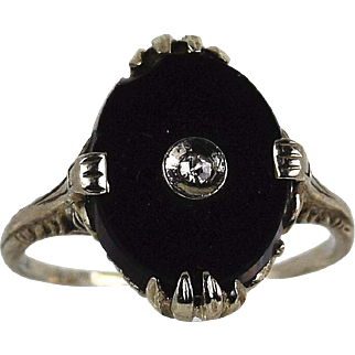 Vintage Lady 14k white gold Onyx/Diamond ring, Pre-Owned