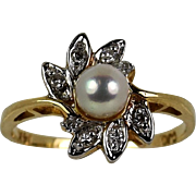 Lady 14k Yellow Pearl/Diamond Ring Vintage