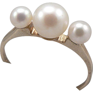 Vintage 10K Gold 3-Stone Cultured Pearl Ring Size 5
