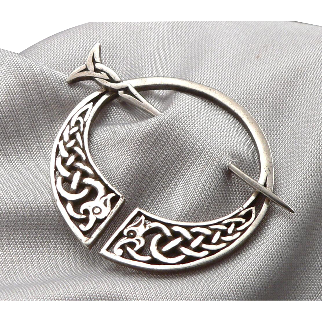 of scotland silver celtic brooch scents a product