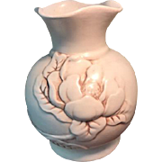 """Red Wing Pottery """"Magnolia"""" Vase #975"""