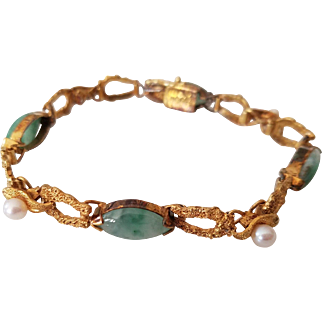 14 Karat Gold Jade Cabochon and Cultured Pearl Bracelet