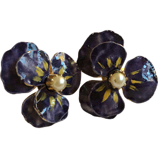 Last 2 week Sale Purple Pansy Enamel with Simulated Pearl Earrings Clip