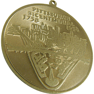 SCARCE Charm Vintage 14K Gold Pittsburgh Bicentennial 1958 Fort Pitt 1758