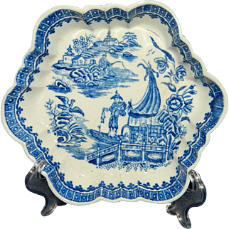 Antique circa 1775 Worcester porcelain tea pot stand in the fisherman pattern