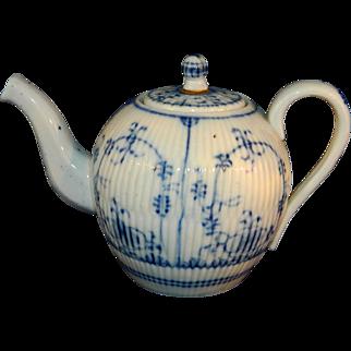 Antique 18th German Wallendorf miniature tea pot Strawflower