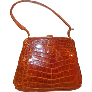 Beautiful vintage 1940's toffee colored alligator skin handbag