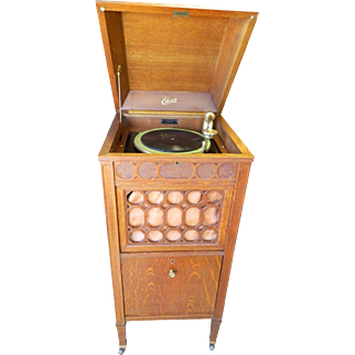 Edison S-19 Diamond Disc Record Player from 1919