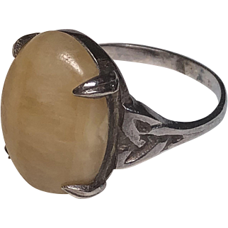 Vintage Scottish Sterling Silver Yellow Agate Celtic Knot Design Ring