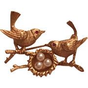 Vintage 14k Yellow Gold Two Ruby Eyed Birds Perched On A Branch & Pearl Nest Brooch