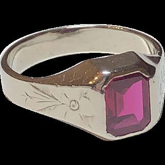 Vintage 14k White Gold Synthetic Ruby Flower Design Ring