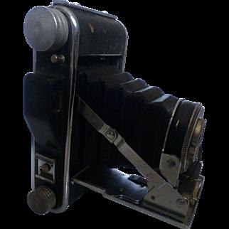 Pho-Tak Foldex 20 120/620 Film Camera Synchronized Shutter with 86mm Octvar Lens and Case