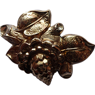 Victorian 10K Floral Pin