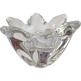 French Vintage Baccarat Crystal Flower Decorative Outstanding Ashtray